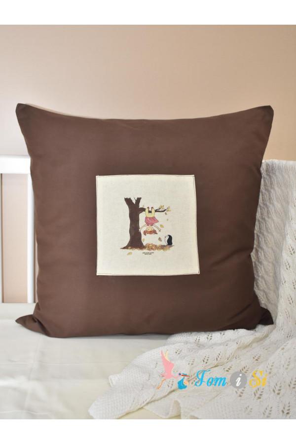 Декоративная подушка Рыжая девочка